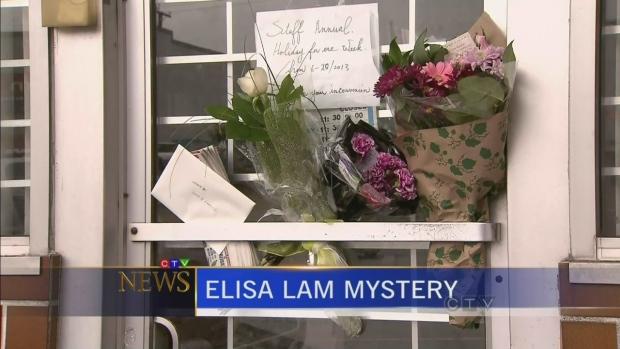 Flores y condolencias hacia Elisa Lam